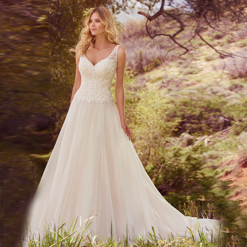 Simple Designer Casamento A Line Appliqued Bridal Gown