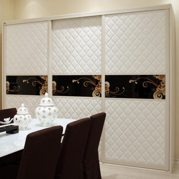 OPPEIN White Solid Wooden Sliding Door 3 Door Wardrobe YG11228