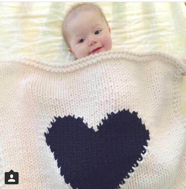 Hot Sale 95cm 105cm Infant Knitted Cotton Black Heart Blankets Baby