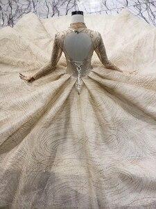Image 4 - LS20329 ouro muçulmano vestidos de noiva de alta pescoço mangas compridas beads brilhante vestido nupcial do vestido de casamento com trem 2019 nova moda
