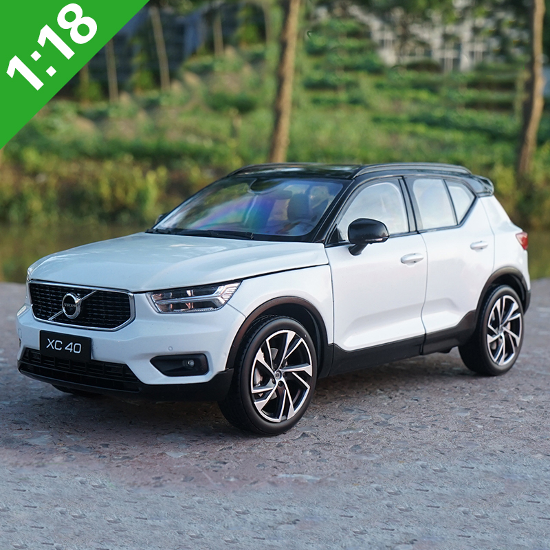 NEW 1/18 Volvo XC40 SUV Diecast Metal Car SUV Model White