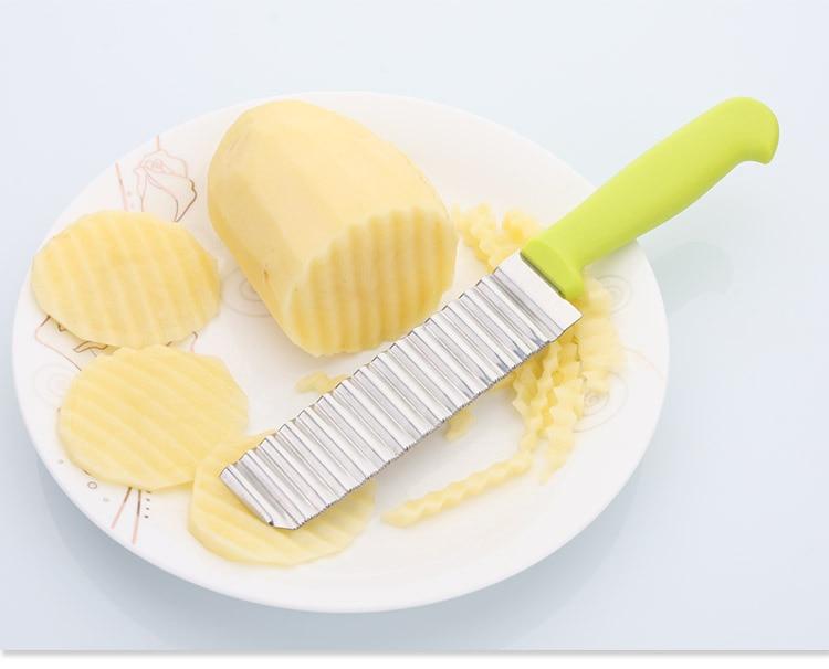 Crinkle Cutter cut potato in plate