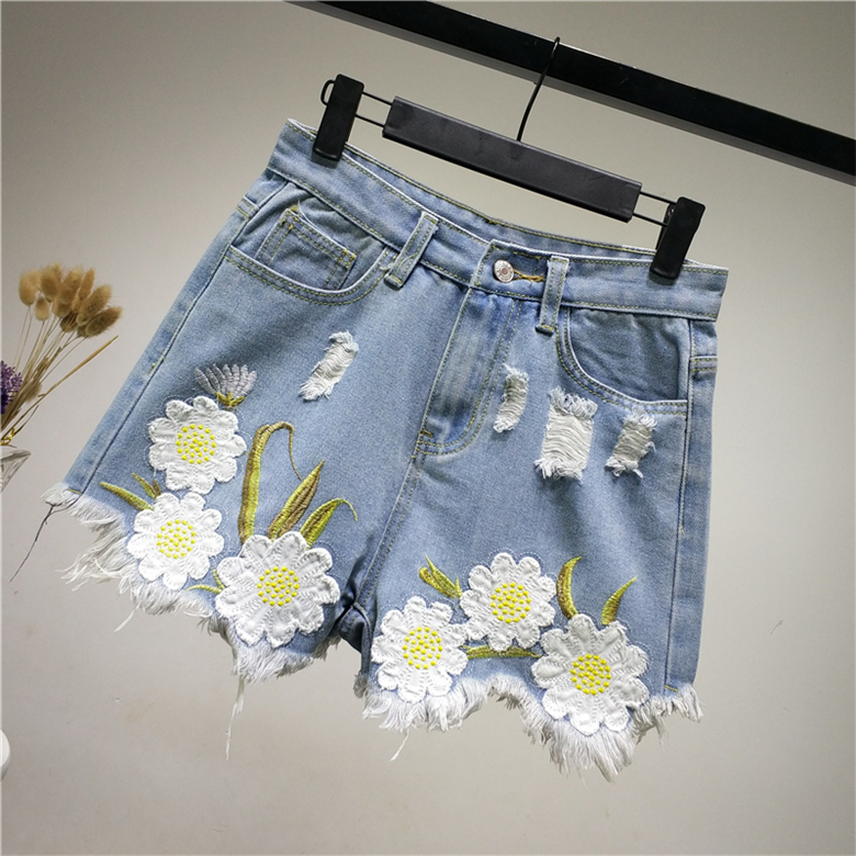 Jeans Women's Clothing B2458 New Style Spring And Summer 2019 Students Lace Embroidered Women Loose Wide Leg Hot Denim Shorts Cheap Wholesale