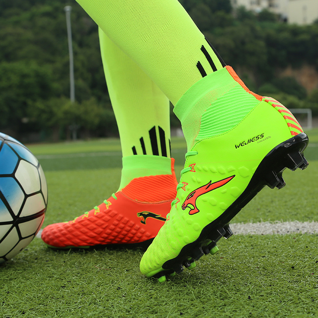 2017 New  Leather High Top Mens Soccer Boots Outdoor Long Spike Soccer Shoes Men Black Green Football Cleats Boots With Ankle
