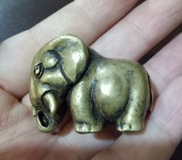 A fine collection of brass pendant handlebars Hand doll Mascot elephant Sculpture statue