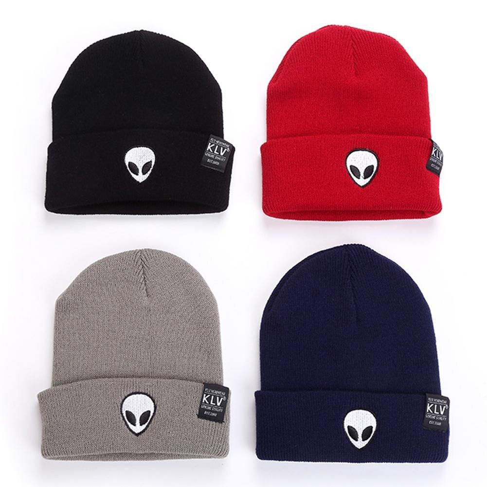 Venta caliente bordado extranjero invierno sombrero hombres y mujeres puño sombreros  Gorros De Lana suave sólido gorras Hip Hop Unisex caliente gorras de ... 0f9ae5c2719