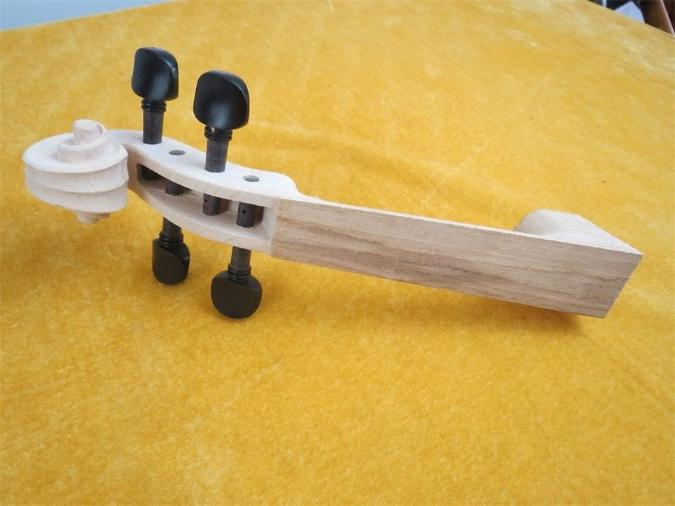 One piece of unfinished violin neck 44 with 4pcs vioin pegs