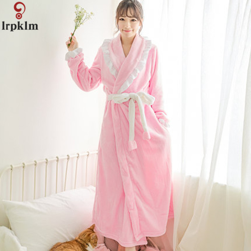 Ladies Paragraph Coral Cashmere Robe 2017 Autumn Lovely Velvet Pajamas Home Service Long Section White Lace Pink Gown SY892