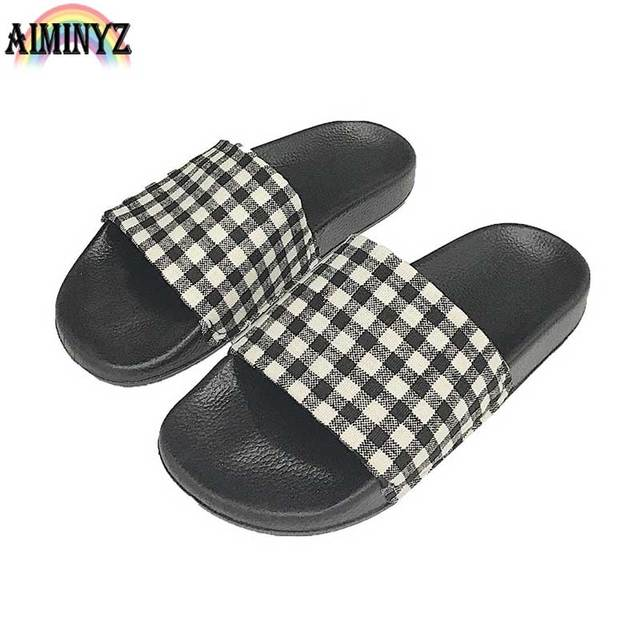 6db8658c2cab15 Lattice Slippers Summer Shoes Beach Women s Flip Flops Checked Outside Home  Indoor Sandals Grid Female Pantufa Scarpe Donna