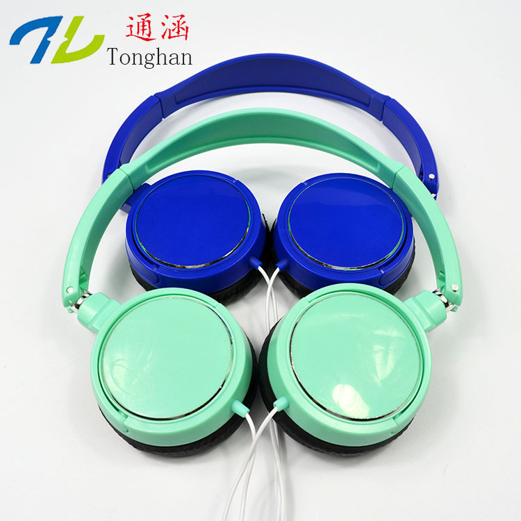 WD26 Fashion Earphones Headsets Stereo Earbuds Sports For mobile phone MP3 MP4 For phone