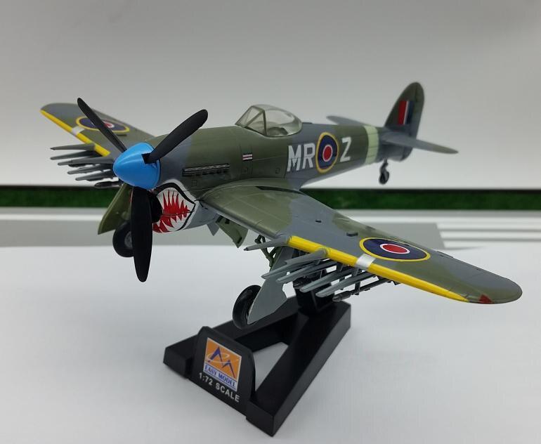 TRUMPETER 1:72 British World War II Typhoon Fighter Model MK1B 36314 Airplane Favorite Model Helicopter Plane 1/72 Scale Models