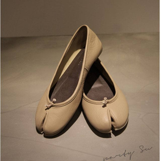 new Divided toe Japan style female genuine cow leather women fashion flats  shoes Apricot sweet round round girl ballet shoes 18935015dbd1