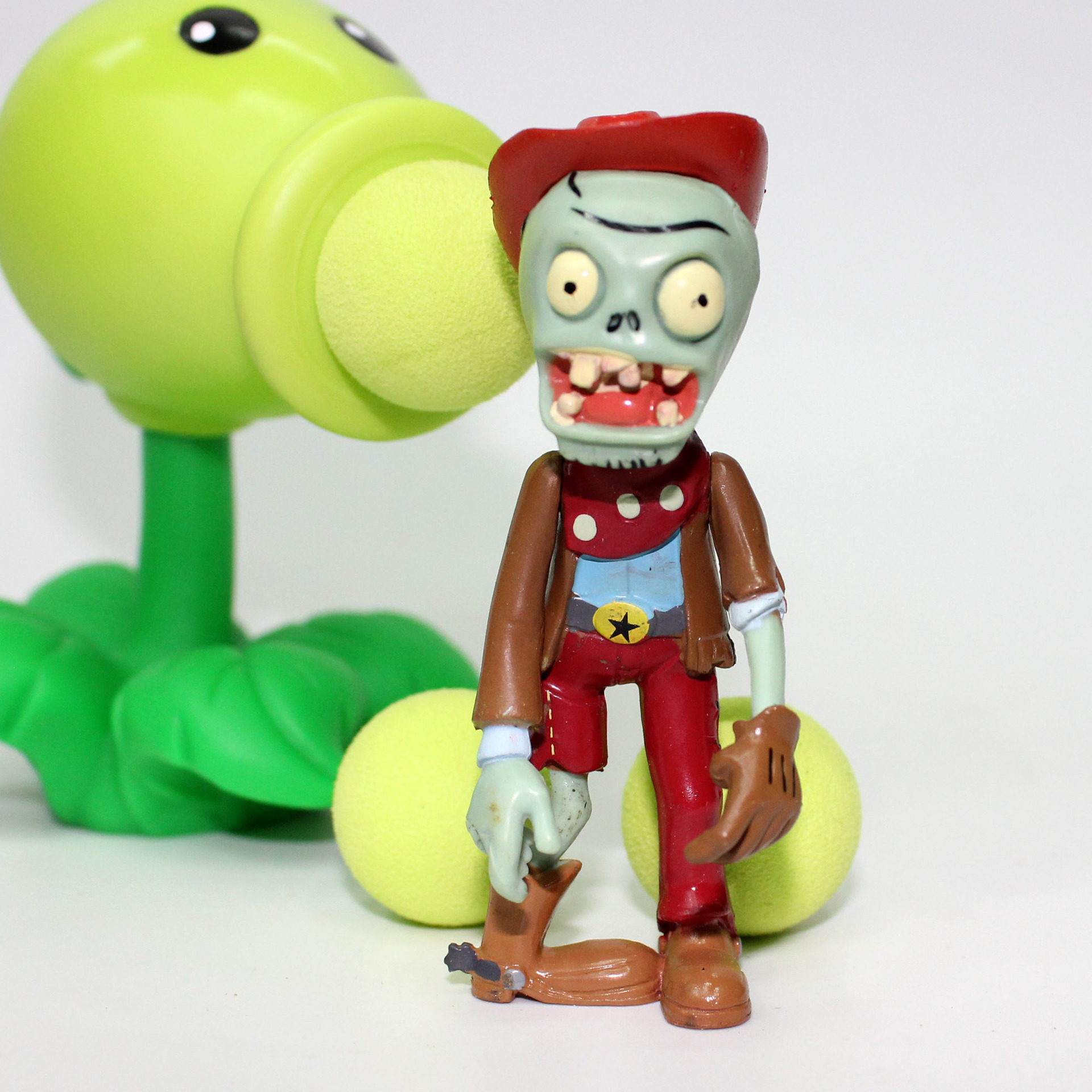 Plants vs Zombies Peashooter PVC Action Figure Model Toy Gifts Toys For Children High Quality Brinquedos  3 8cm plants vs zombies action figure toy pvc plants vs zombies figure model toys for children collective brinquedos