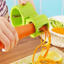 1 PC 2 In 1 Sayur Parutan dengan Pengasah Pisau Spiral Wortel Slicer Stainless Steel + Plastik Twister Vegetable Cutter(China)