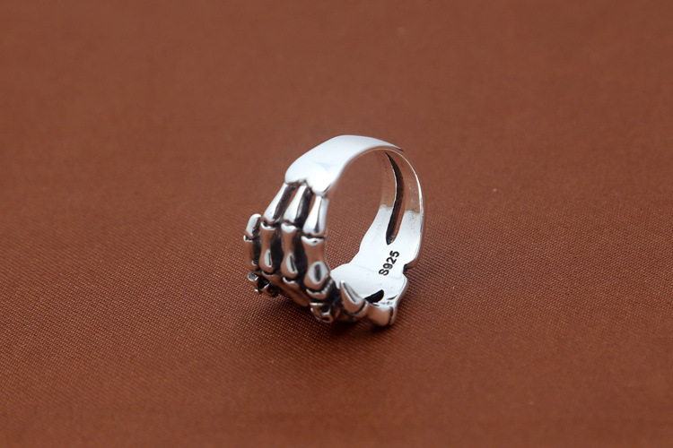 Gorgeous Crafting in 925 Sterling Silver Skeleton & Skull Ring