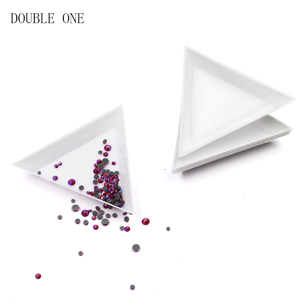 DOUBLE ONE 100PCS Bead Sorting Trays Triangle White Plastic 3x3x3 Inch Jewelry Tray Tool Organize Bracelet Making Workbenches