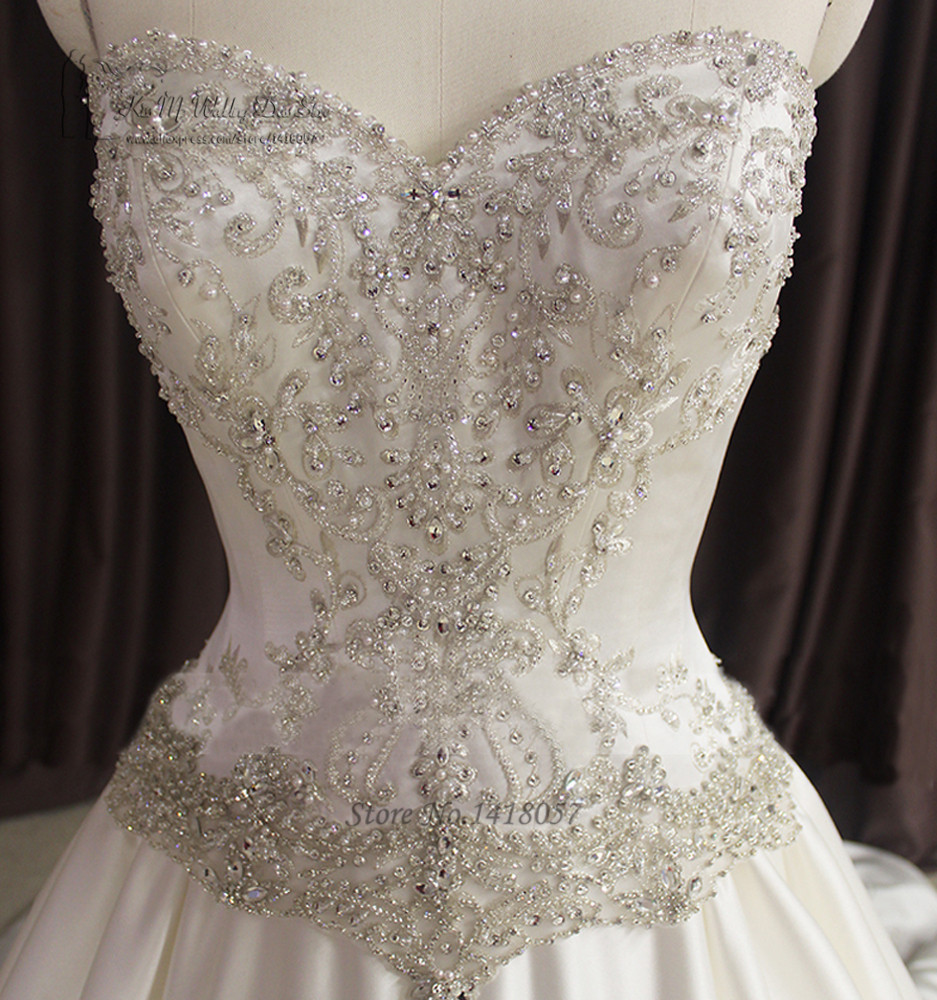Luxury Crystals Wedding Dresses 2017 Embroidery Wedding Gowns Lace Beaded Bride Dress Court Train Vestidos De Noiva Real Satin