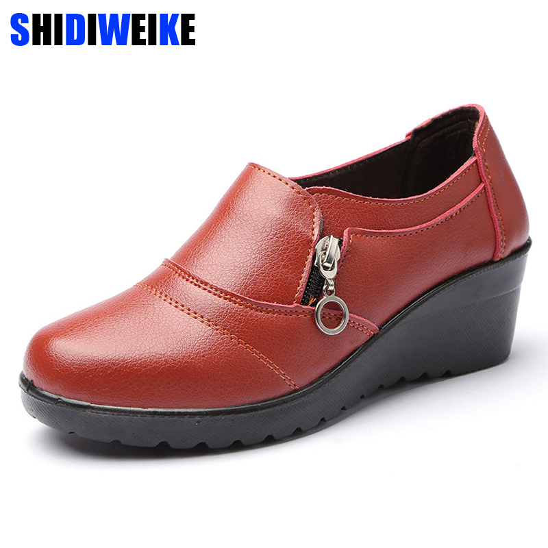 SHIDIWEIKE Women COMFORT MOTHER SHOES New Autumn Soft PU Leather Platform Shoes Woman Zip Low Wedges Shoes Size Plus 35-41 m201