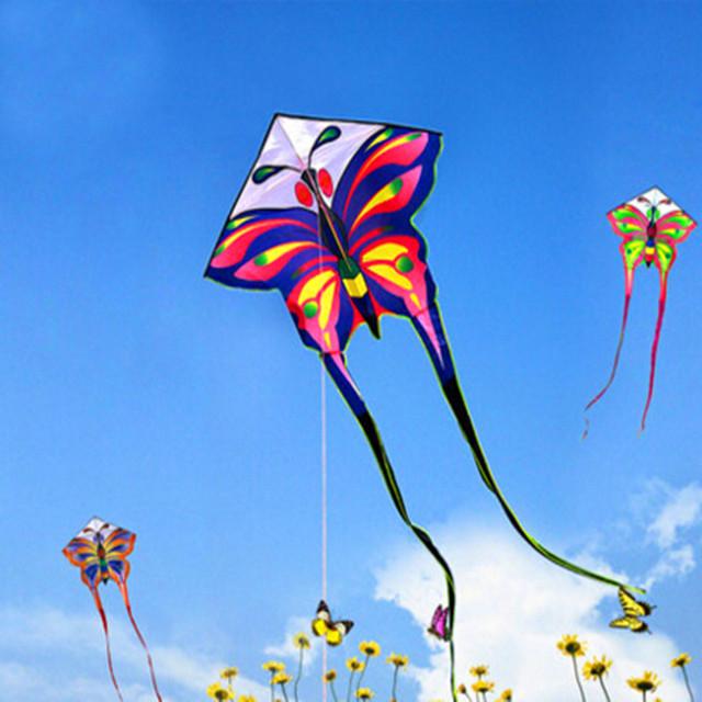 Envío de la alta calidad los niños cometas 3 m largas colas hd mariposa cometa con la línea de mango diversos colores eligen ripstop nylon