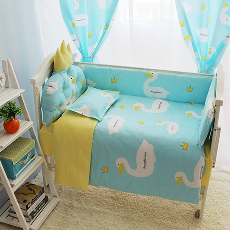 Baby Bedding Set Cute Swan Baby Girl Culla Set di biancheria da letto 4-10 Pcs Trapunta Materasso Paraurti Paraurti Cover + Filling Sheet Lettino Biancheria da letto