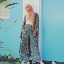 Muslim Suit Dress Tops And Pants Small Fresh Print Two-Piece Suit Cardigan Straight Pants Dress New Muslim Fashion Ladies Dress(China)