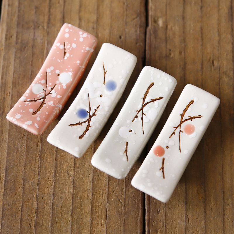 1 PCS KECTTIO Ceramic Snowflake Chopsticks Holder Japanese Style Chopsticks Pillow Chopstick Rest Rack Tableware Decoration
