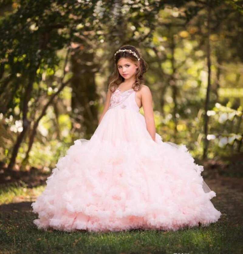 Luxury Cloudy Flower Girl Dress with Crystals Ruffles Formal Wears Backless Glitz Puffy Girls Birthday Party Gowns Custom Made Luxury Cloudy Flower Girl Dress with Crystals Ruffles Formal Wears Backless Glitz Puffy Girls Birthday Party Gowns Custom Made