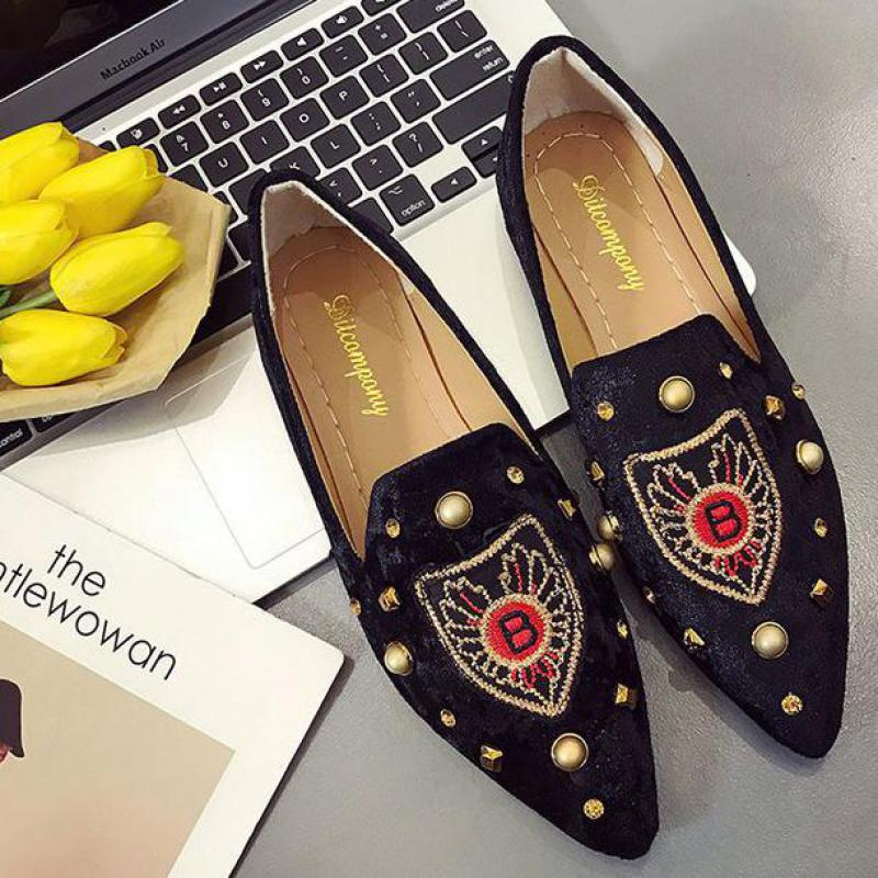 Embroidery Bee Rivet Shoes Fashion Soft Driving Casual Loafers Lazy Boat Shoes Women Breathable Slip On Comfortable Ballet Flats women shoes 2018 new footwear slip on ballet hollow genuine breathable soft flat shoes women comfortable loafers shoes ladies