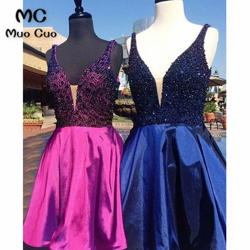 2018 Sparkly Ball Gown Homecoming dress Short with Beaded Crystals V-Neck Satin Cocktail party dress short homecoming dress