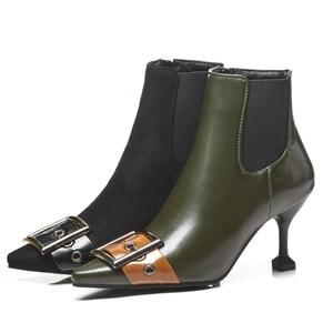 Image 2 - 패션 블랙 그린 부츠 여자 유럽 버클 발목 부츠 섹시한 하이힐 빈티지 pu 가죽 레이디 신발 대형 사이즈