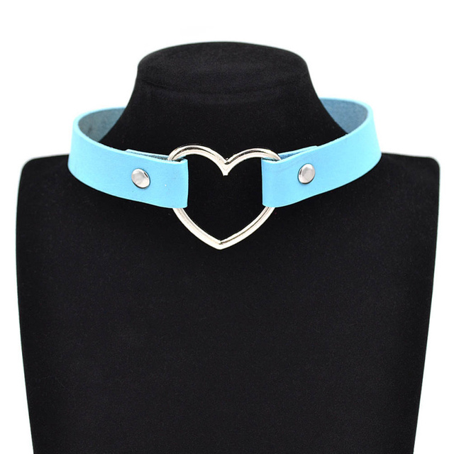 Gothic Heart Leather Choker