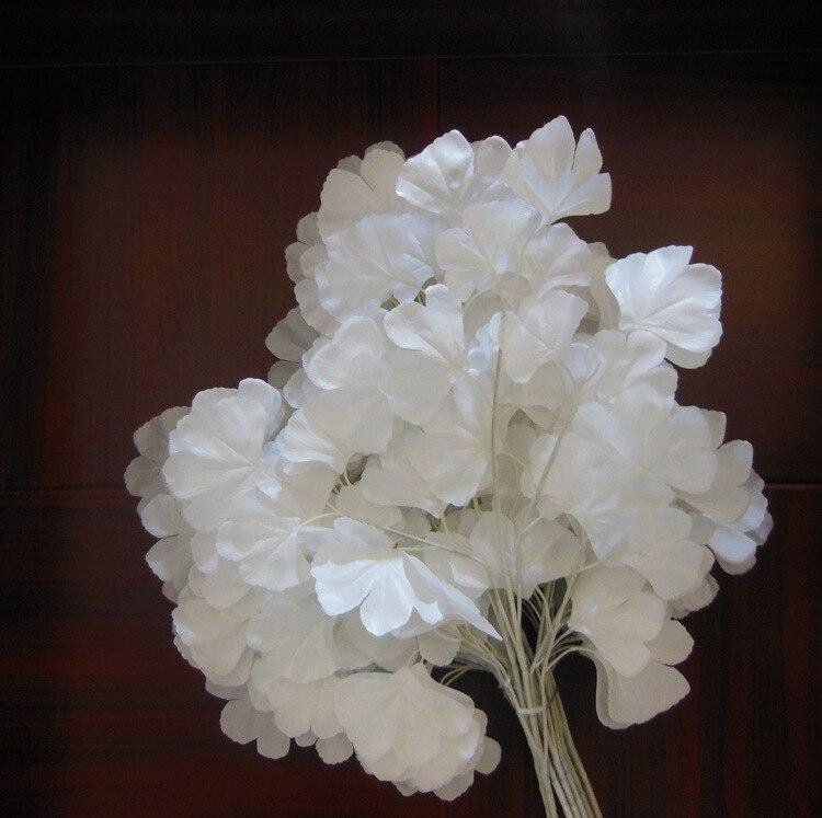 84 ピース白イチョウ葉結婚式の小道具白人工支店葉結婚式フェスティバル装飾イチョウ葉  グループ上の ホーム&ガーデン からの 造花 & ドライフラワー の中 1
