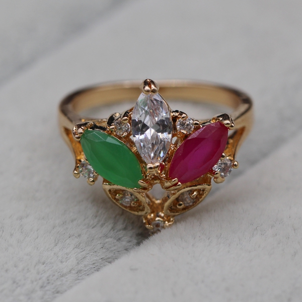Luxury New Design Emerald Red Ruby Ring Fashion 18k Gold Plated Platinum Las Unique Gift Party