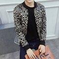 Осень Мужская Куртка Мода Sexy Leopard Печатный Мужчины Пальто Куртки Плюс Размер Slim Fit Повседневная Ветровка Пиджаки 5XL-M 2 цветов горячая