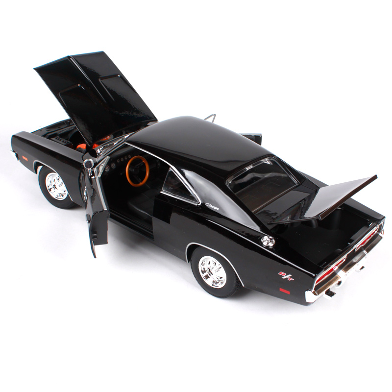 Orange Diecast Model Car Maisto 1:18 Scale Dodge Charger RT 1969