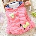 A la venta 2016 invierno nuevo bebé chaqueta guapo corazón y arco estilo de la niña prendas de vestir exteriores traje para la nieve Parka A338