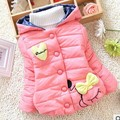 Em venda 2016 inverno novo casaco bonito coração arco bebê menina outerwear Snowsuit casaco A338