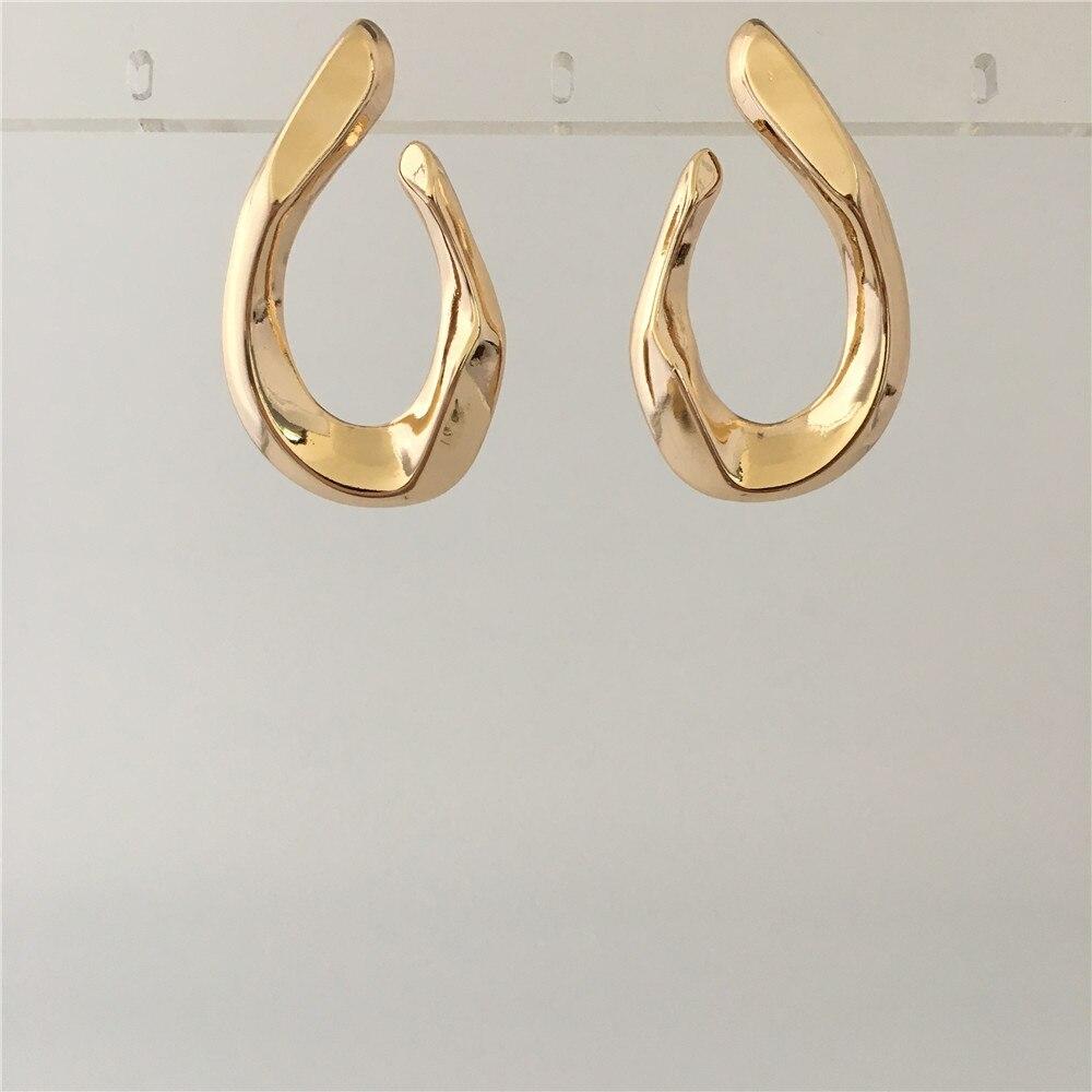 TRENDY GOLD COLOR SCULPTURE SIMPLE EARRINGS FOR WOMEN GIRL