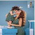 Семья взгляд 2016 Мода горошек v шеи прекрасный Платье для матери и дочери Семьи соответствующие наряды Мать и дети одежда