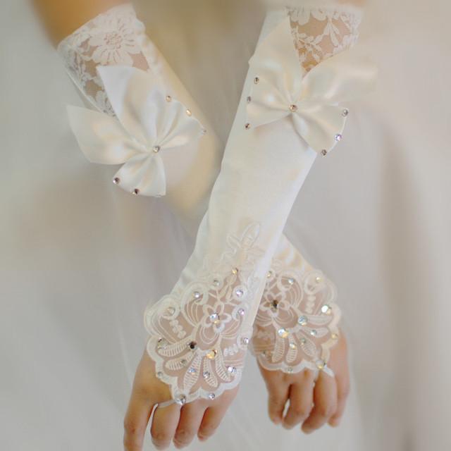 Nova Direcção-Roda de Luxo Lace Princesa vestido de Noiva Luvas Luvas de Moda Feminina Projeto Longo Luvas de Casamento Acessório Do Casamento Venda Quente