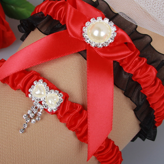 New Arrival Black Red Wedding Garter Set Rhinestone Pearl Knot Keepsake Garte Crystal Button Toss