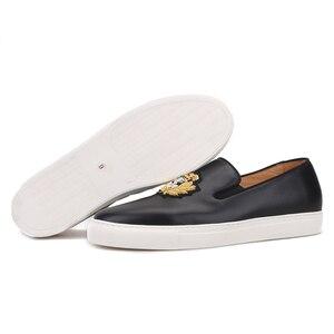 Image 4 - بيرجتار 2020 جديد أسود ألوان جلد أصلي للرجال أحذية رياضية صناعة يدوية حرير هندي تطريز حذاء رجالي كاجوال أبيض