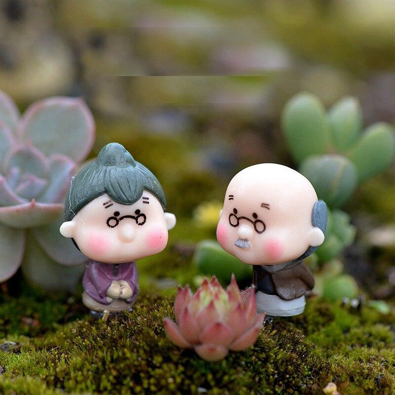 2pcs Mini Dancing Grandparents Figurines Resin Craft Miniatures Fairy Garden Decor Bonsai Terrarium Figurines Dollhouse Ornament