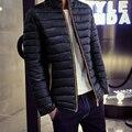 2016 Мужчины Молнии Вниз Пальто Стенд Воротник Твердые Тонкий XXS небольшой Размер Парки Белый Гусиный пух Тонкий зимняя куртка Теплая пальто