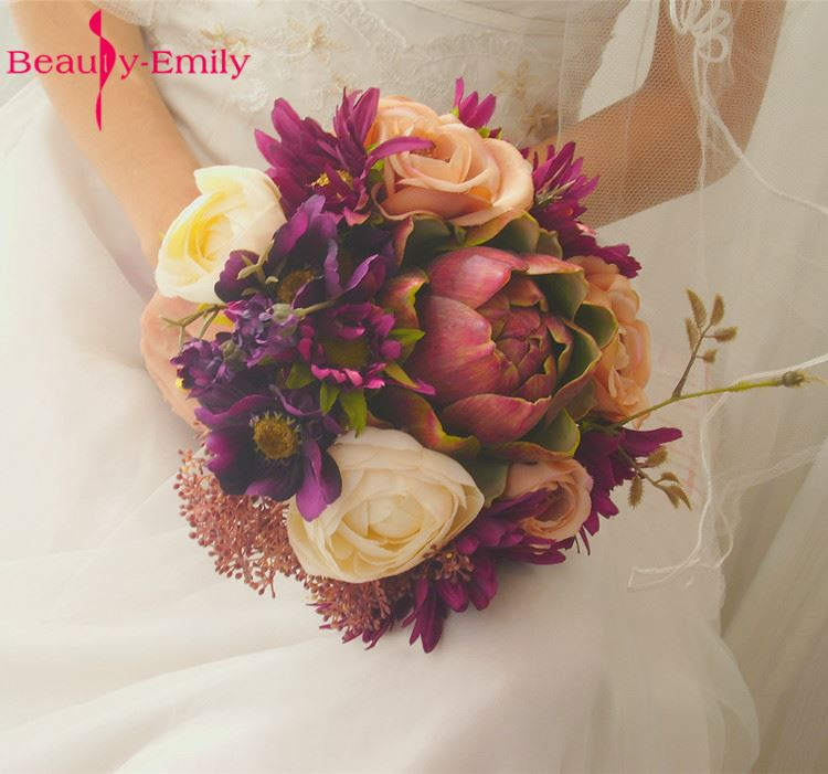 Beauty Emily 2017 Vintage Court Style Wedding Artificial Hand Holding Flower Bridal Bouquet of flowers Ramo