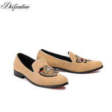 Deification Handmade Mocassins Animal Embroidery Loafers Fashion Suede Slip On Driving Shoes Khaki Party oxford For Man