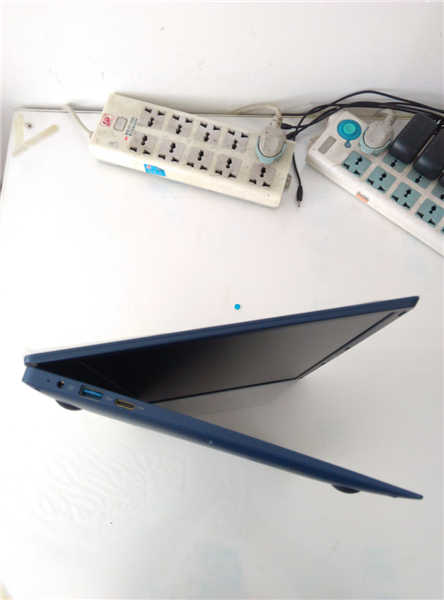 15.6inch Narrow Frame Intel Quad Core CPU 4GB DDR3 64GB eMMC free Windows 10 OS Ultrabook mini Laptop Notebook