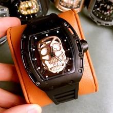 Marca de moda de lujo Unisex relojes de diamantes cráneo Kito hombres Esqueleto mujeres quartzwatch banda de goma luminosa Relojes de pulsera