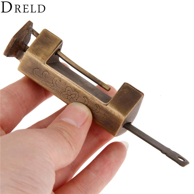 цена DRELD 62*25mm Vintage Chinese Padlock Antique Chinese Old Lock Retro Jewelry Wooden Box Padlock Key for Suitcase Drawer Cabinet в интернет-магазинах