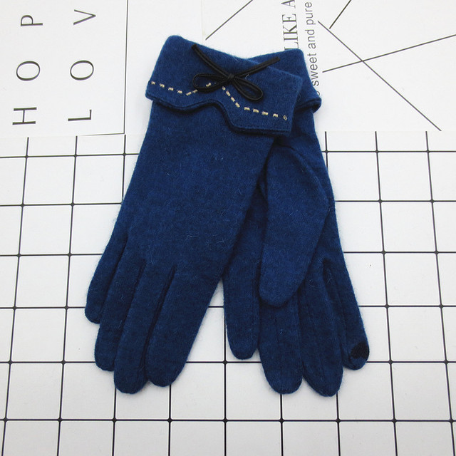 Fashion Elegant Female Wool Touch Screen Gloves Winter Women Warm Cashmere Full Finger Leather Bow Dotted embroidery Gloves A29 4